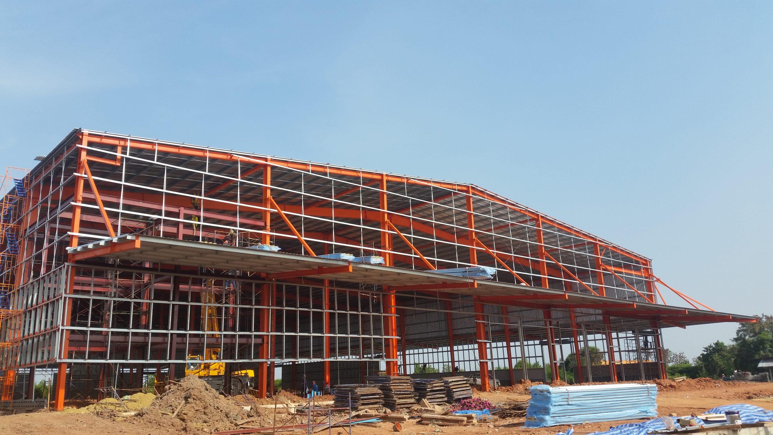Nhà xưởng tiền chế của PEB Steel xây bởi đội ngũ kỹ sư giàu kinh nghiệm - 1